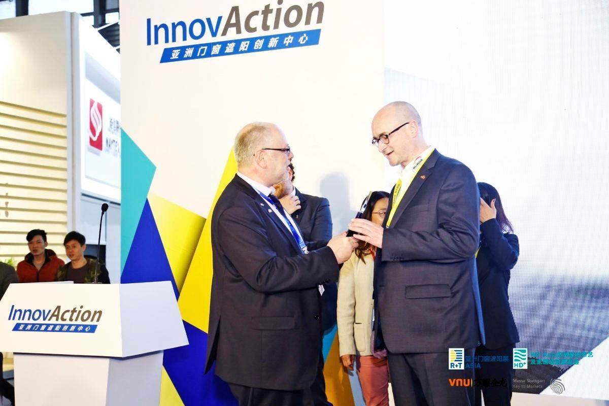 Jiri-Burda-Preisverleihung-InnovAction-Award-R+TASIA-2019